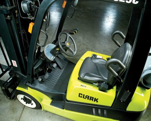 CLARK FORKLIFT WITH DIESEL OR LPG DRIVE C15-20S (2)